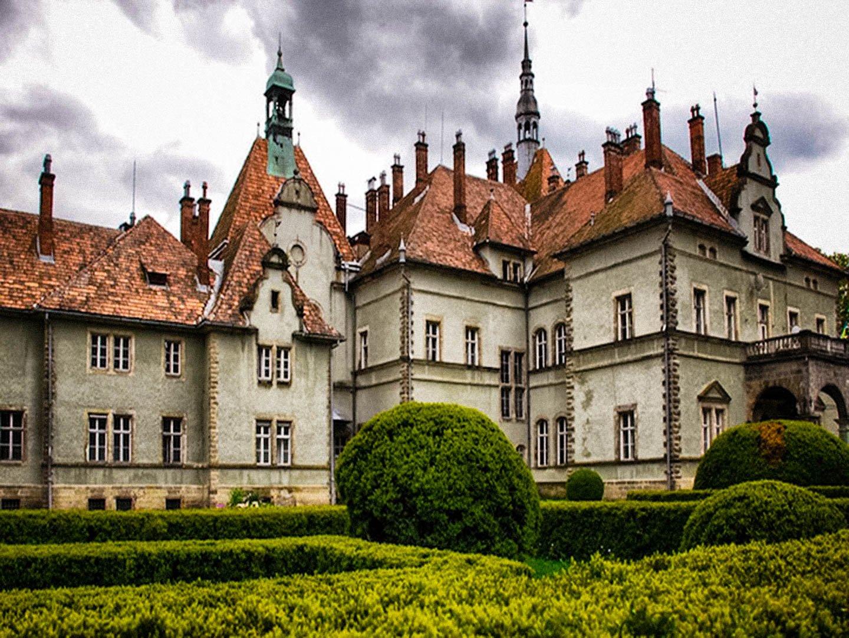Чинадиево. Замок-крепость. Дворец Шенборнов